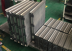 Different from Motorcycle water cooling radiator and oil-cooling radiator
